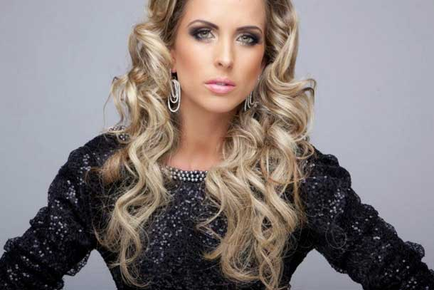 Miss Santa Catarina 2012 Manoella Deschamps