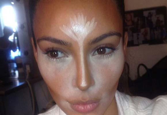 Truque de maquiagem de Kim Kardashian