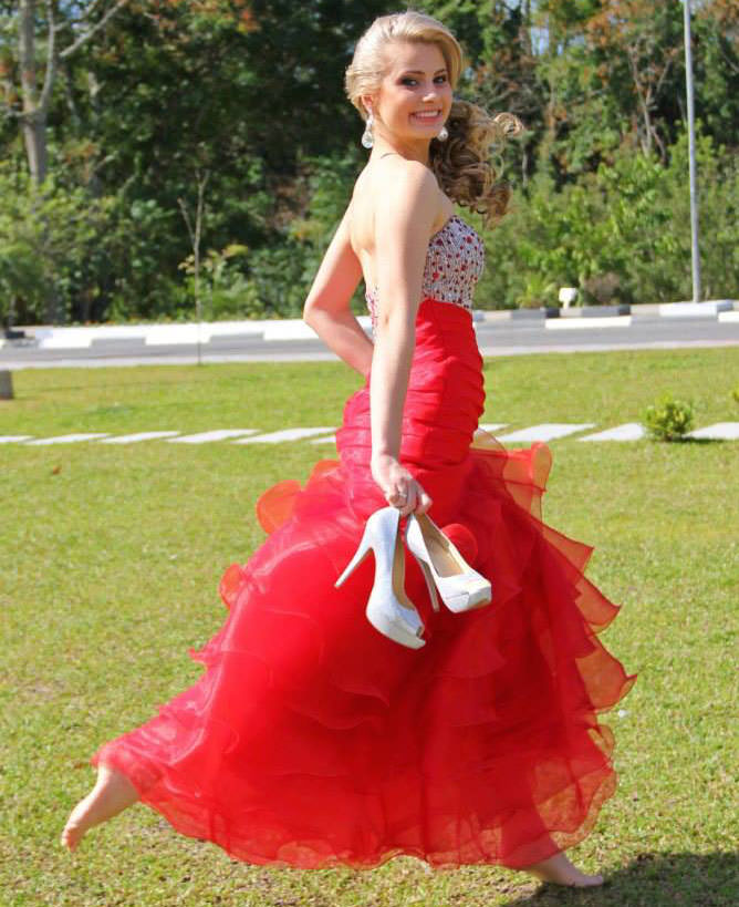 Miss Santo Amaro da Imperatriz Thaiza Wilwert