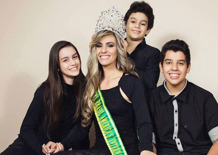 Julyene Dias Gauto e os filhos
