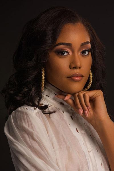 Foto da Miss Ilhas Cayman - Kadejah Bodden