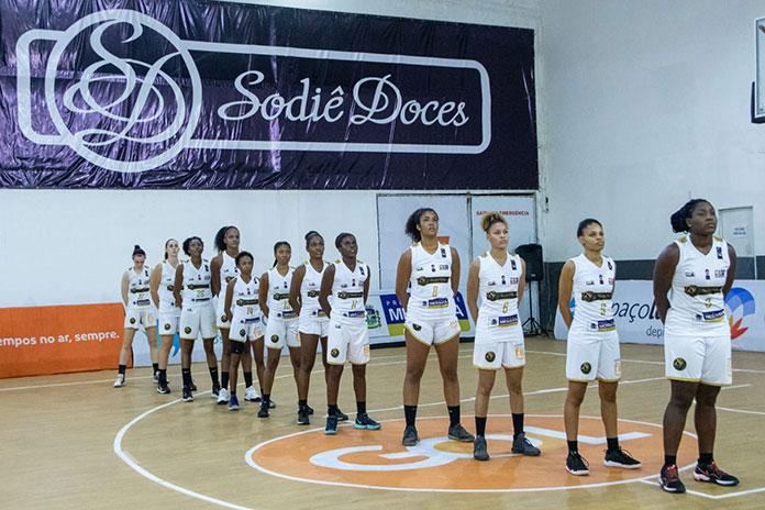 Equipe feminina da Liga Super Basketball